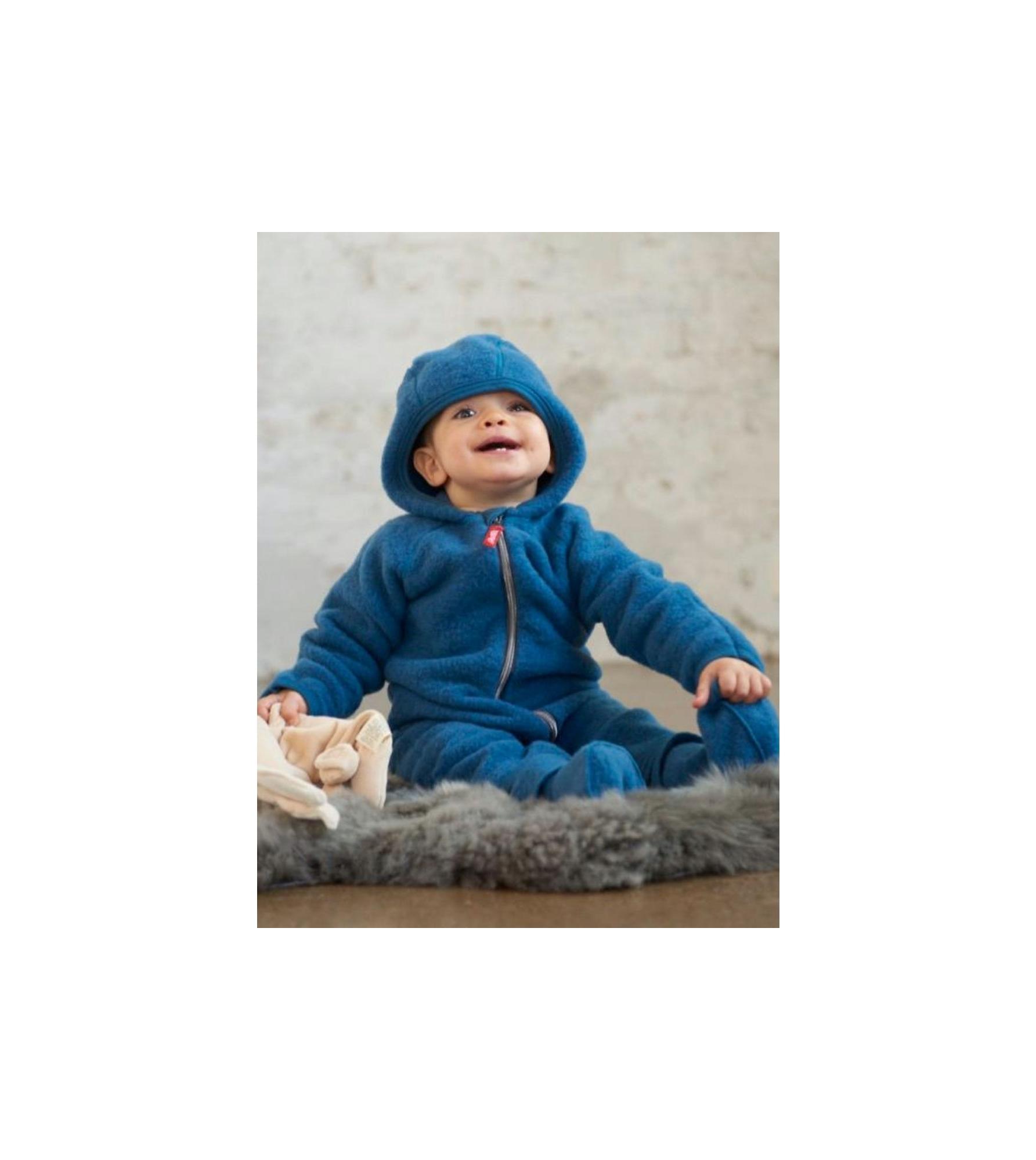 Ruskovilla_vauva_baby_villafleece_woolfleece_haalari_overall_vuononsininen_fjordblue.jpg
