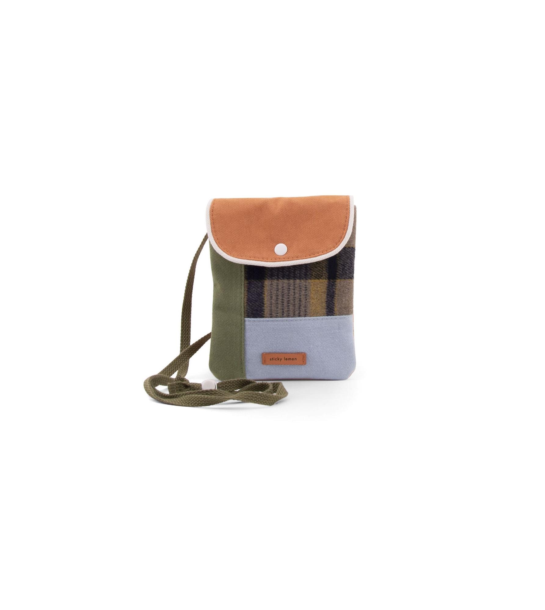 1801679_–_Sticky_Lemon_-_wanderer_-_wallet_bag_-_sandy_beige_-_front.jpg